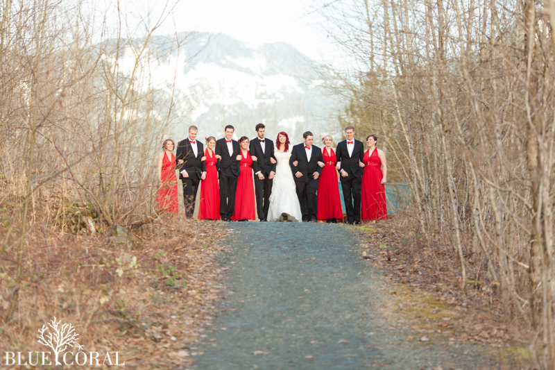 winter outdoor wedding photos-46