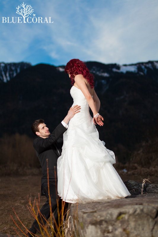 winter outdoor wedding photos-54
