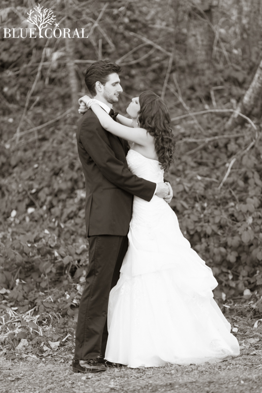 winter outdoor wedding photos-63