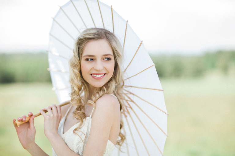 vintage-bamboo-umbrella-wedding