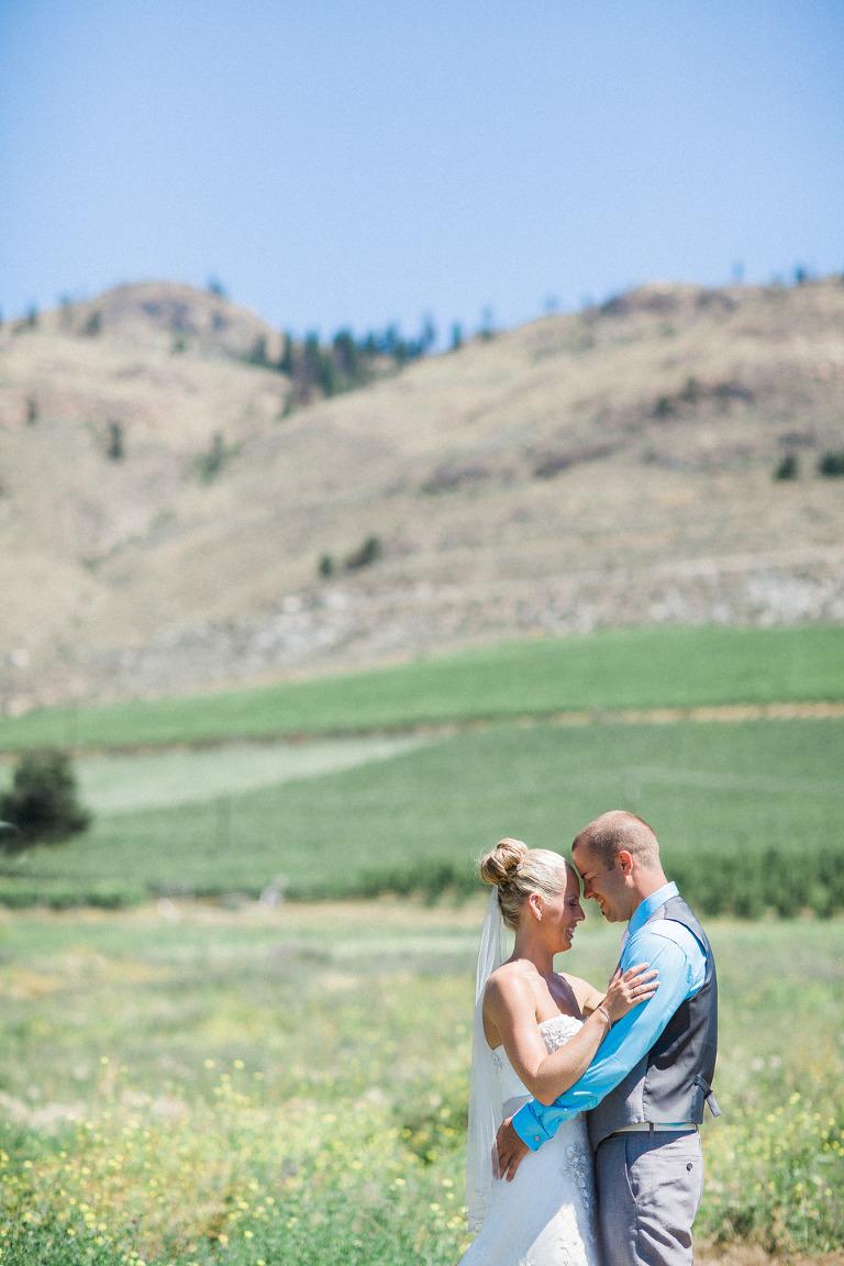 victoria bc documentary style wedding photographers